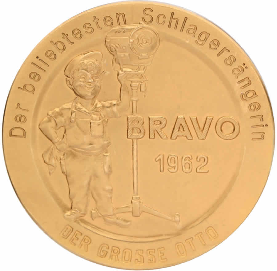 Connie Francis 18K Gold 'Bravo' Award