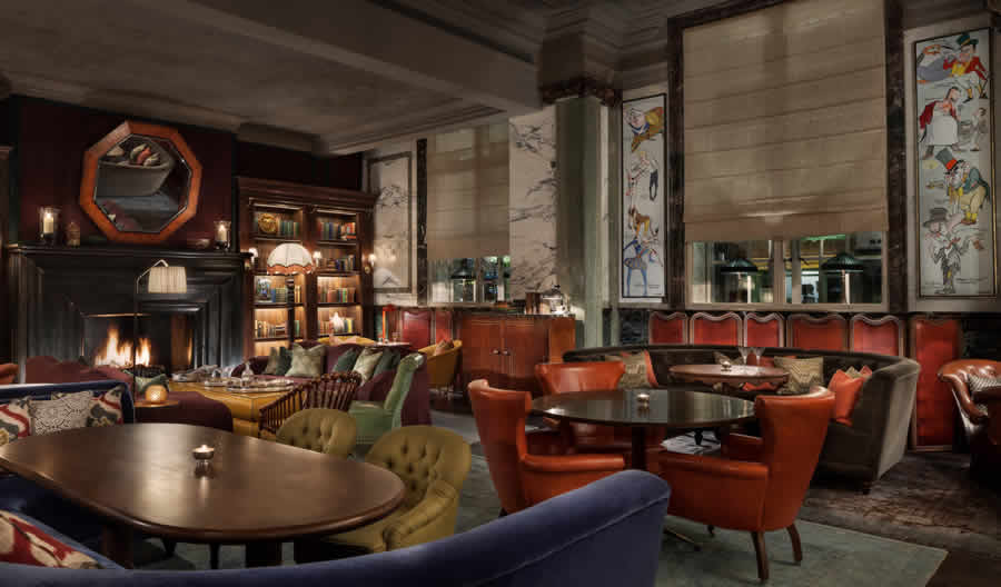 Rosewood_London_Scarfes_Bar_Art_on_walls
